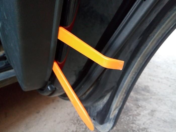 Снятие карты задней двери Chevrolet Captiva C140